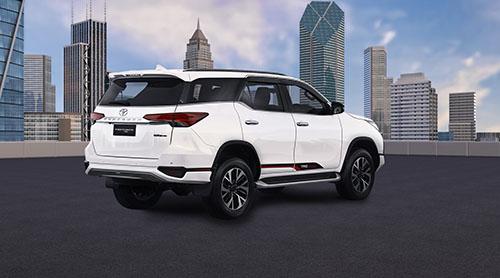 Spesifikasi Toyota Fortuner TRD 2018